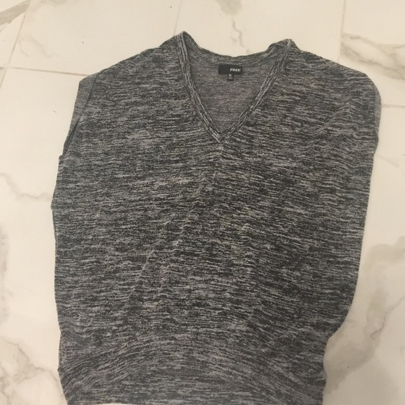 Free short sleeve top